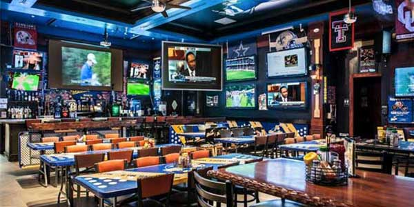 Blondies Sports Bar U0026 Grill In The Miracle Mile Shops At Planet Hollywood  Resort U0026 Casino If Youu0027re Seeking A Tame And Not Too Noisy Sports Joint, ...