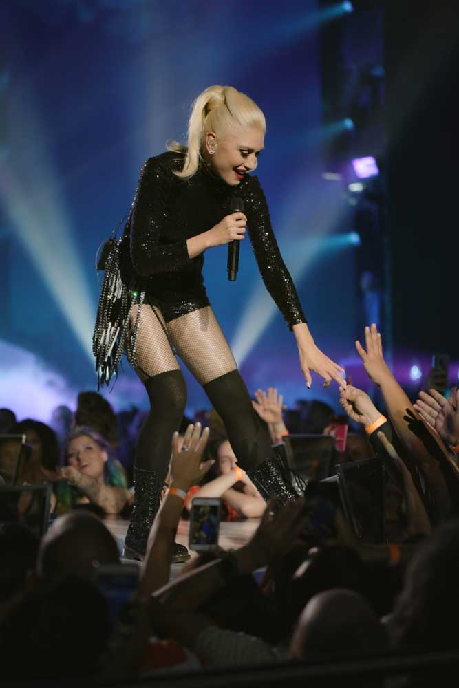 Gwen Stefani: Just A Girl - Gwen Stefani