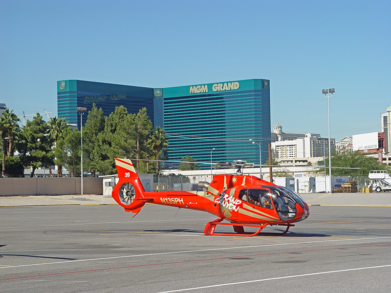 King of Canyons Landing with Limo - King of Canyons Helicopter