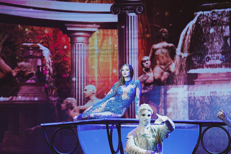WOW – The Vegas Spectacular - Wow Slideshow 8