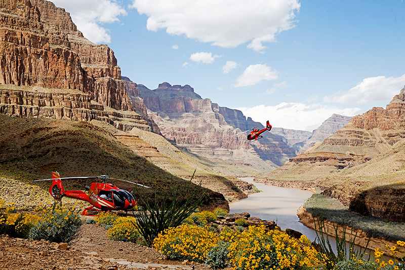 King of Canyons Landing with Limo - Grand Canyon Helicopter Landing