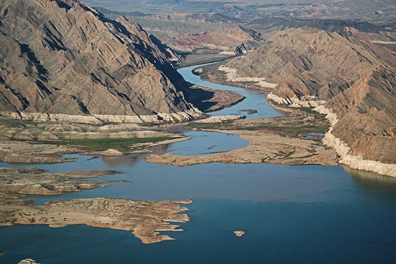 Golden Eagle Air Tour - Lake Mead View
