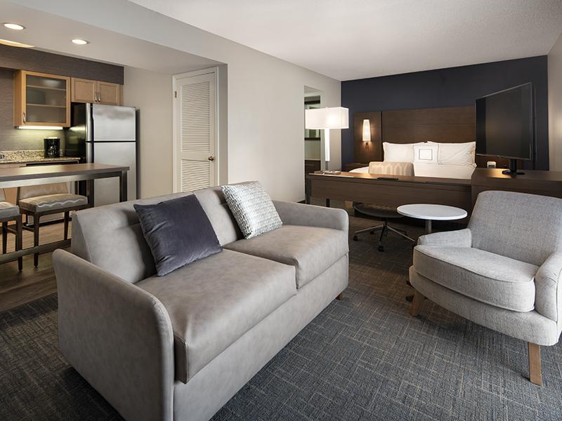 Studio Suite, 1 Queen, Sofa bed
