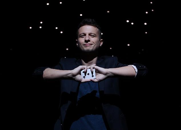 Mat Franco- Magic Reinvented Nightly - Mat Franco