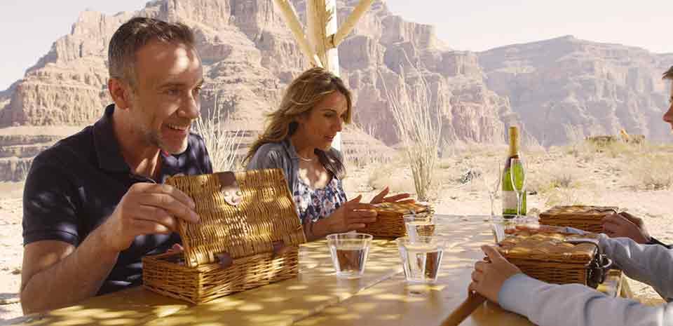 https://www.vegas.com/media/vegas/tours/grand-canyon-tours/grand-canyon-picnic/grand-canyon-picnic-mobile