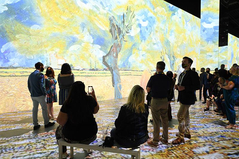 Immersive Van Gogh - Immersive Van Gogh Slideshow 1