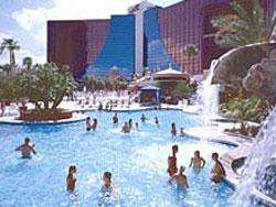 the pool at rio las vegas