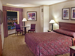 Harrah's Las Vegas Luxury Room