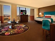 Luxury Suite, 1 King, Mountain View, Non-Smoking