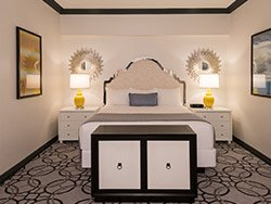 Paris Remodeled Classic Suite 1 King