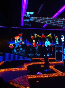 KISS: By Monster Mini Golf
