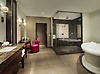 Gallery Suite bathroom