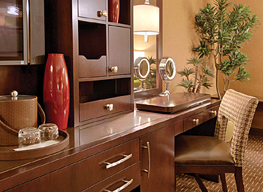 Golden Nugget Gold Club Room Desk