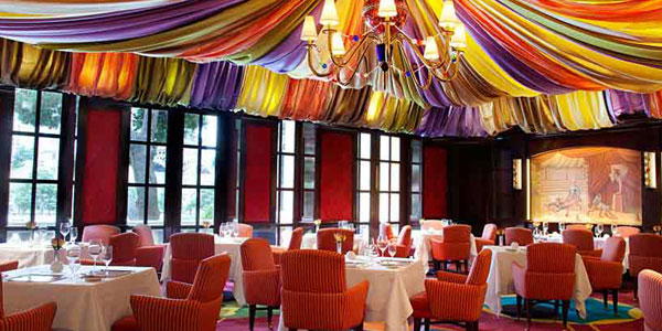 A Staff Favorite Le Cirque Is Forbes Five Star Award Recipient And Has Received Aaa Diamond Rating For 13 Consecutive Years The Restaurant