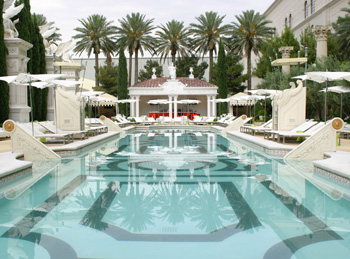 Top 10 hotel pools in las vegas guide to vegas for Caesars swimming pool