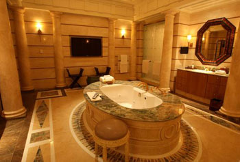 Top bathrooms guide to vegas for Las vegas bathroom remodeling companies