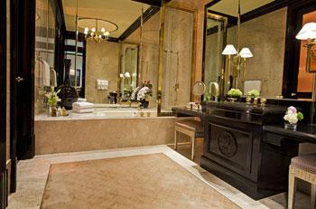 Top bathrooms in las vegas las vegas blogs for Best bathrooms vegas